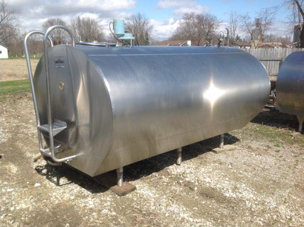 Universal Used Dairy Tank